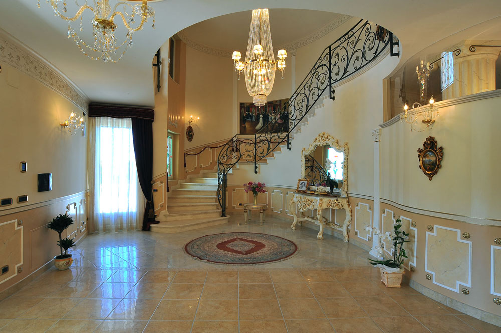 Private Home Italy Versace